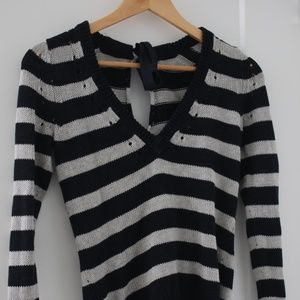 Express tie sweater Small